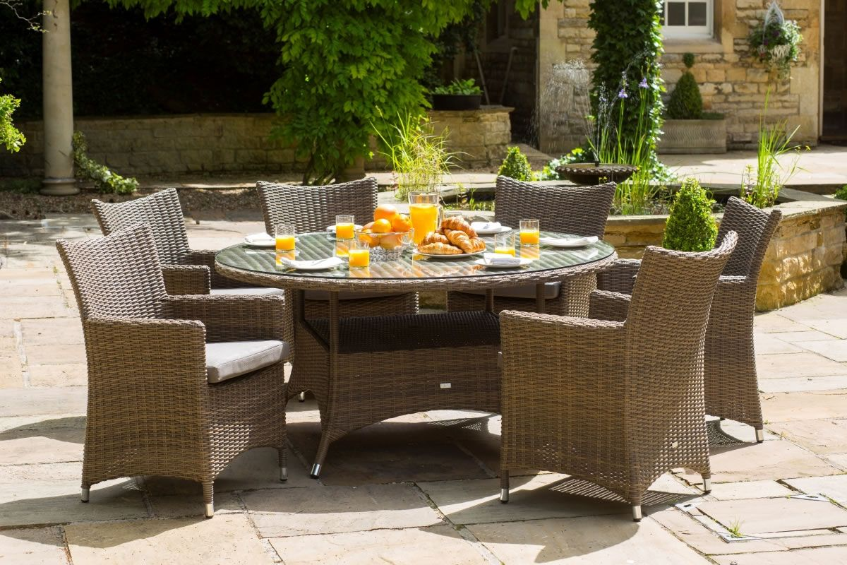 the amber 6 seater round luxury garden furniture set is perfect for enjoying delicious al fresco