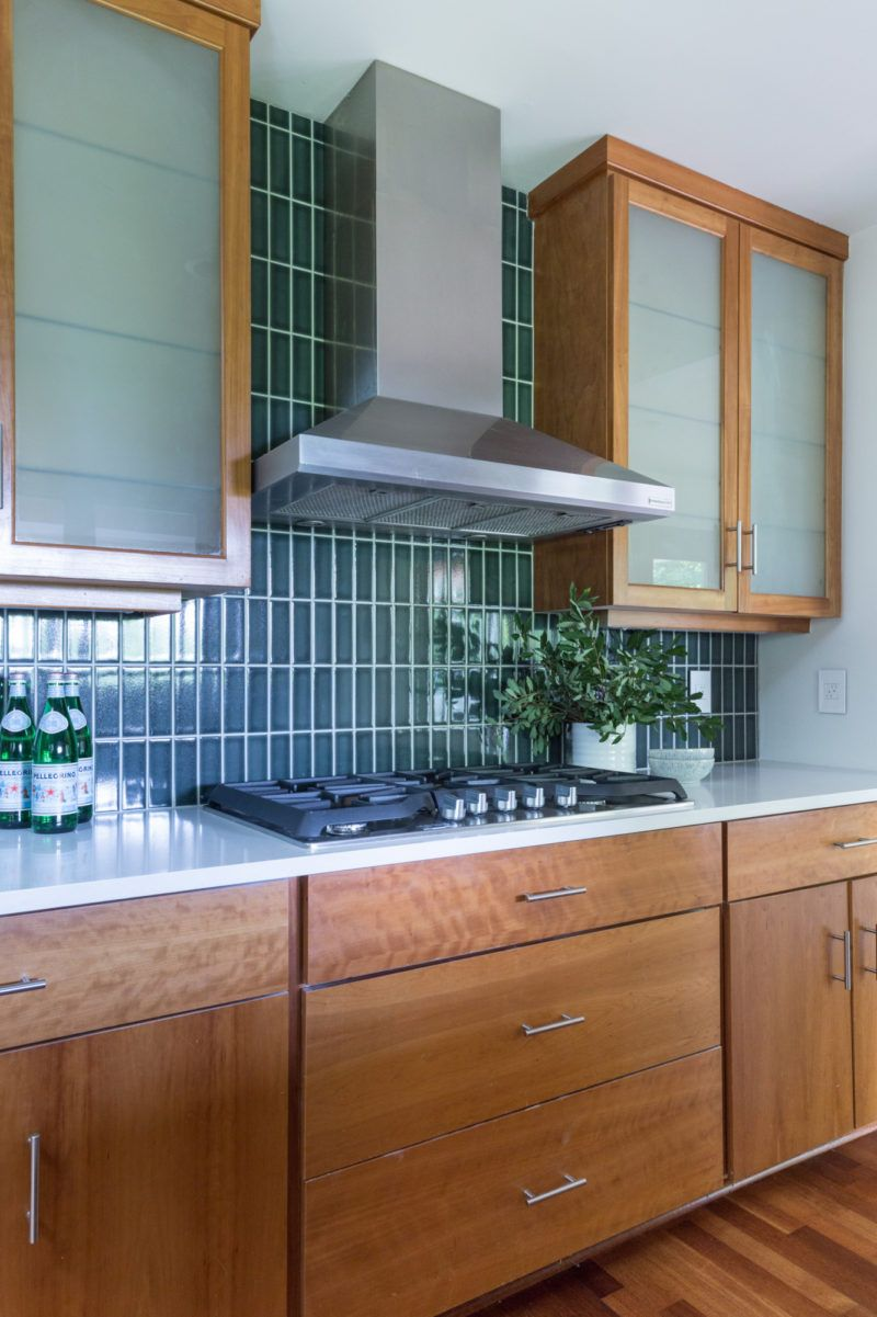 Kitchen Tile And Cabinet Combinations