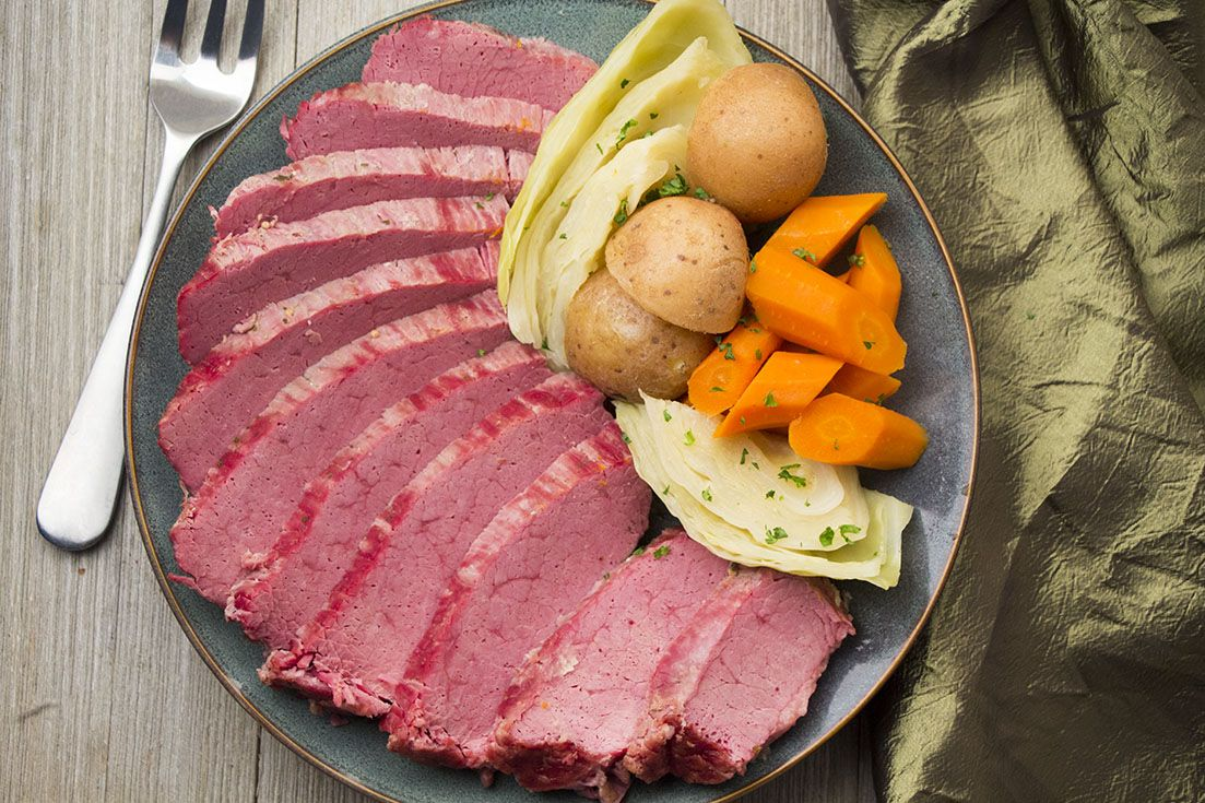 Instant Pot Corned Beef And Cabbage Recipe Pressure Cooker Corned Beef Corn Beef And Cabbage Corned Beef