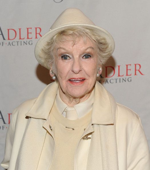 ... elaine stritch actress elaine stritch attends the 2009 stella by