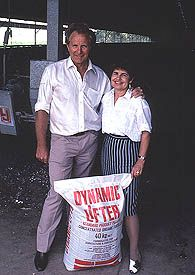 DYNAMIC LIFTER FERTILISER - invented in 1972 by Australians Norm and Nadia Jennings. They found a way to turn chook manure into an effective, easy to use organic fertiliser.