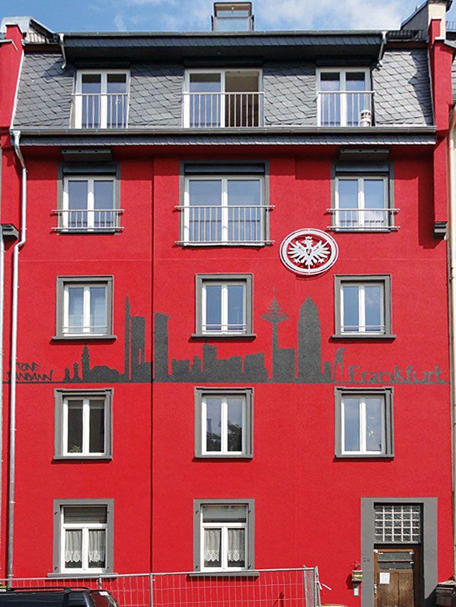 eintracht haus in bornheim frankfurt eintracht frankfurt und eintracht frankfurt. Black Bedroom Furniture Sets. Home Design Ideas