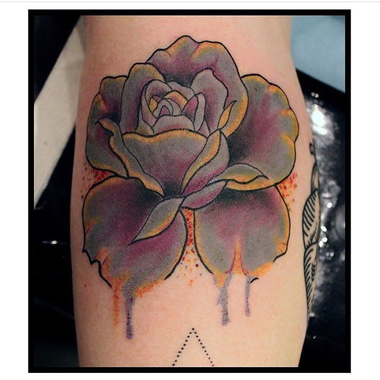 luminous rose by @magdalenasky #supergeniustattoo #seattletattooshop #seattletattoos #tattoos #rosetattoo #floraltattoo #colortattoo #purplerosetattoo #flowertattoo