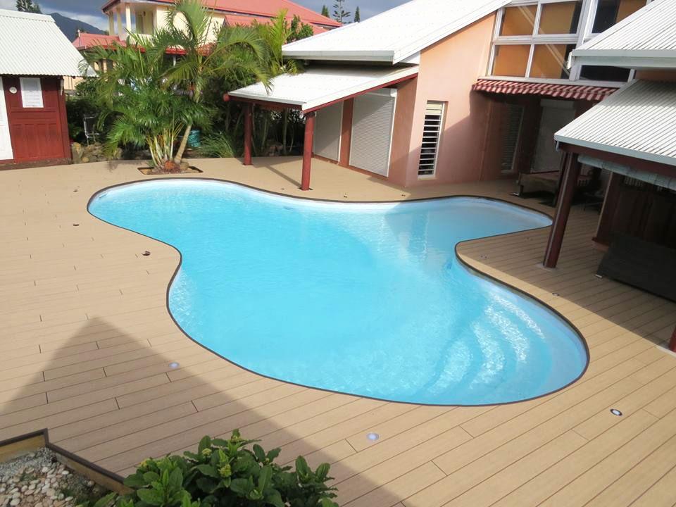 Ocewood® - Plage de piscine tropicale en bois composite Optima Plus