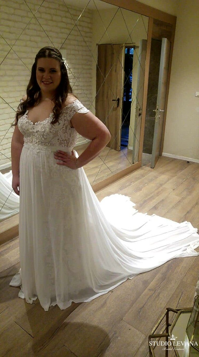 Real Plus Size Bride In Adel Mermaid Lace Wedding Gown With Off Shoulder Sleeves And Chiff Lace Mermaid Wedding Dress Wedding Gowns Lace Wedding Dress Couture [ 1368 x 765 Pixel ]