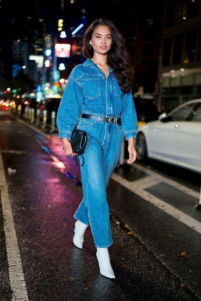 #aussehen #diesen #hat #jeansoverall #jumpsuitstreetstyle #lassen #schick #shaik #shanina Shanina Shaik Denim Jumpsuit Street Style #denimstreetstyle