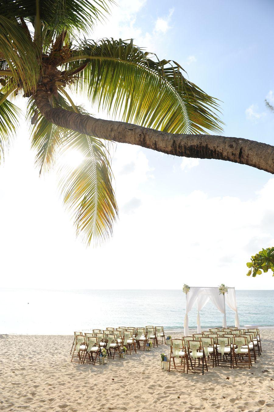 Grand Cayman beach ceremony set up at the Caribbean Club | cayman ...