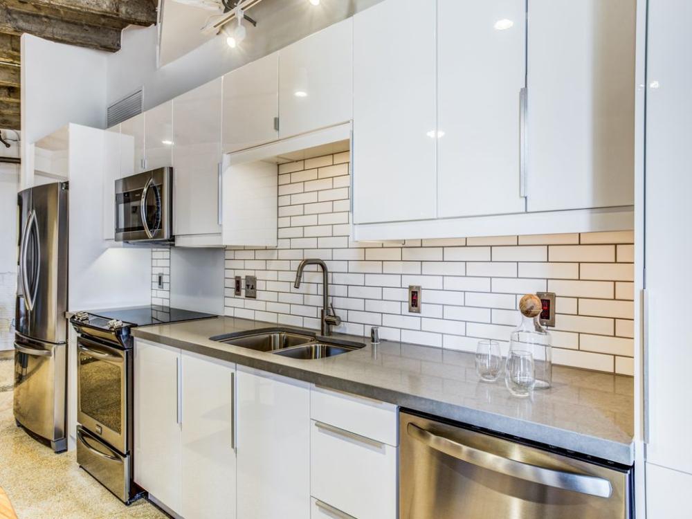 The Drakestone Apartment Rentals Dallas Tx Zillow Luxury Apartments Apartment Apartments For Rent
