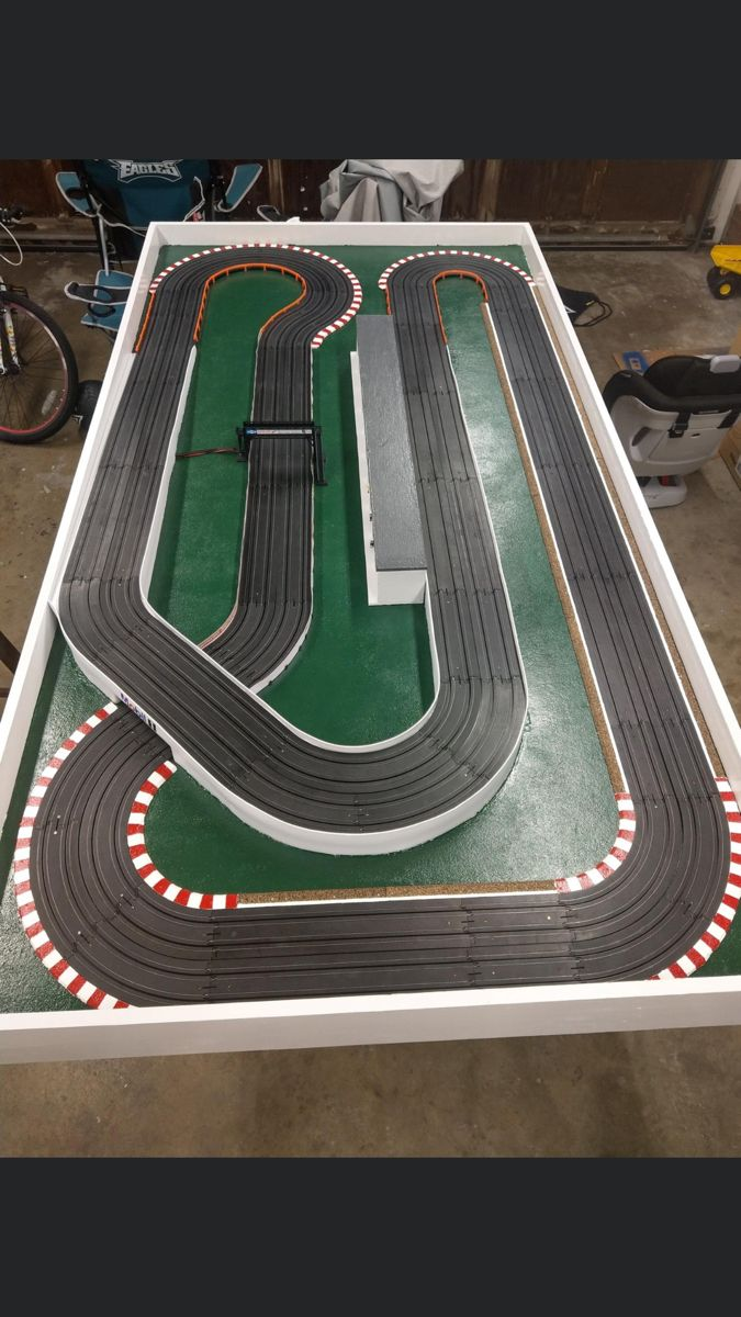 Free S/&H 10 Original HO Race Track Clips Improve Your Slot Car Layout