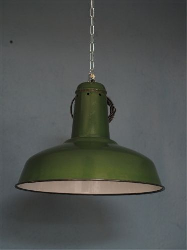 Suspension gamelle abat jour emaillee vert lampe for Luminaire suspension industriel