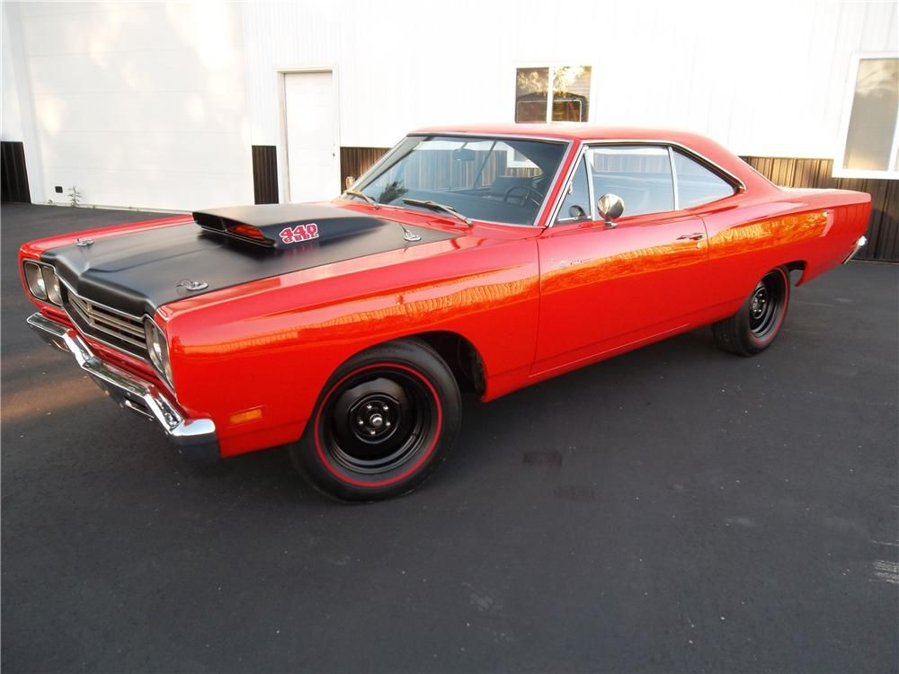 440 Or A Hemi Don T Care Stick A Must Whhheeeeee Muscle Cars Classic Cars Muscle Plymouth Roadrunner