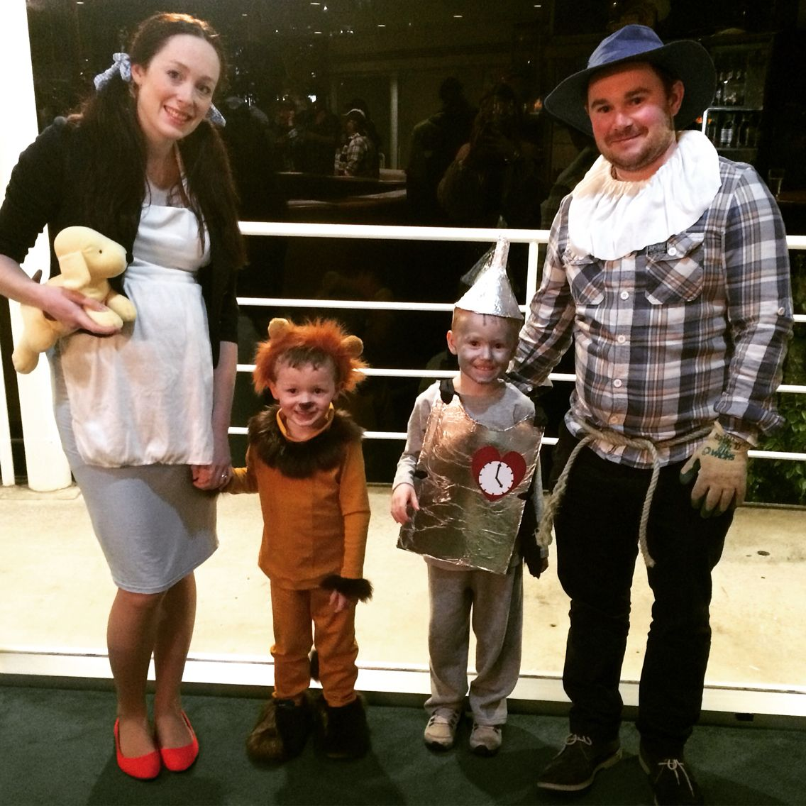 Wizard of Oz. Family costumes on a budget. Dorothy. Scarecrow. Tin ...