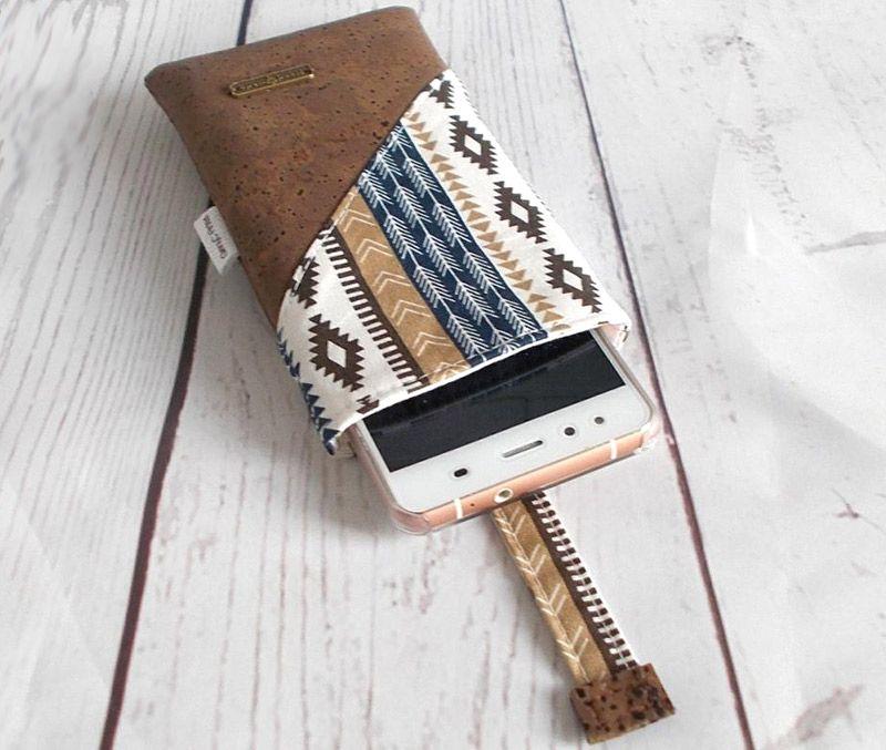 Sleeve Phone Pouch Tutorial   Costura   Pinterest   Bolsa de cuero ...