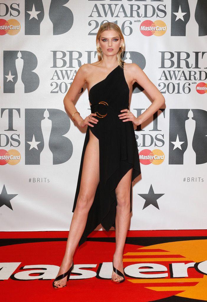 a113df07c5e Lily Donaldson Strappy Sandals - Lily Donaldson Looks - StyleBistro  Celebridades