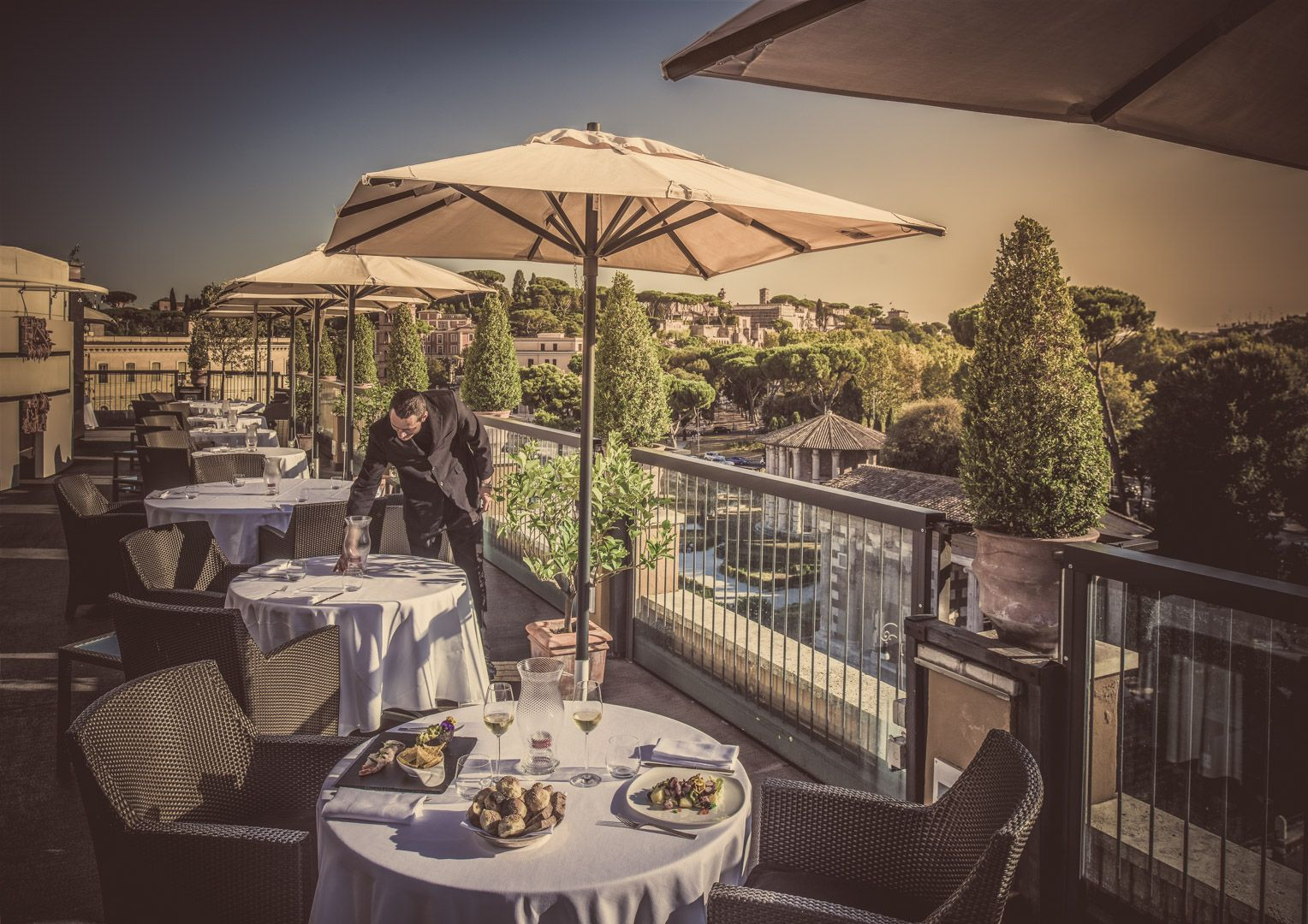 Ristorante roof garden Roma: terrazza panoramica e aperitivo ...
