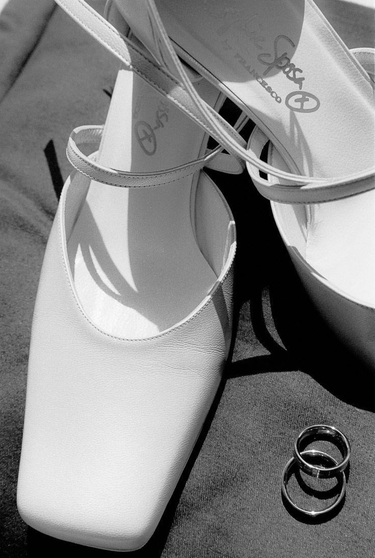#Trauringe und #Brautschuhe der #Hochzeit von Melanie & Arnd  #Hochzeitsfotograf #Hochzeitsfotografie #Hochzeitsfeier #Hochzeitszeremonie #wedding #Iserlohn #GlamorousPictures