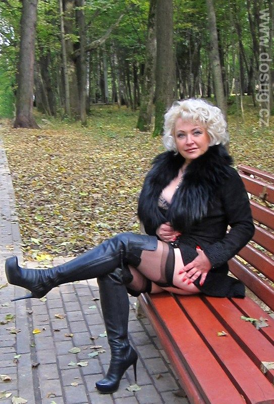 Mature Female Authority | w | Pinterest | Legs, Stockings ...