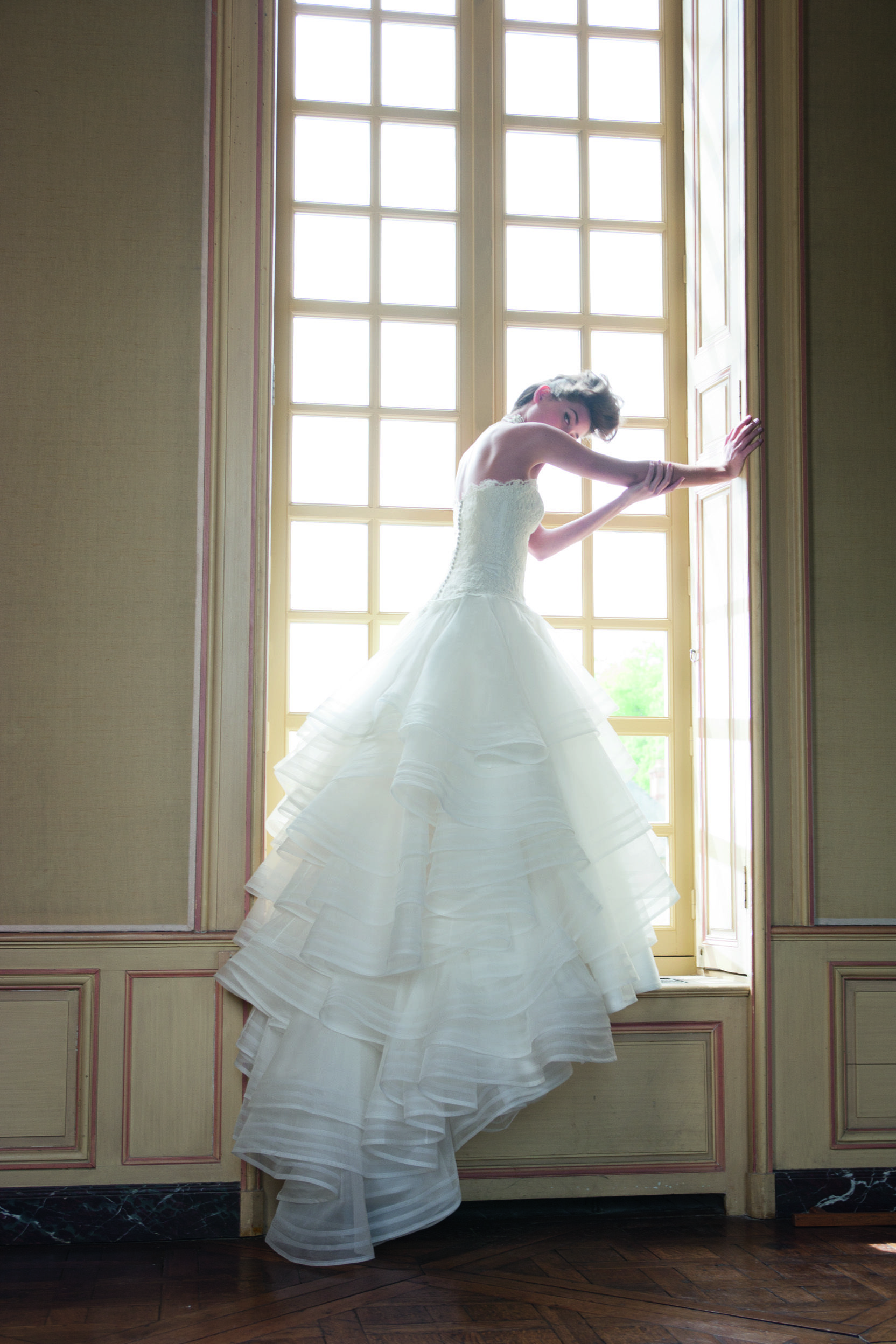 HEATHER by Cymbeline / Combination of volume with tulle and corset ...
