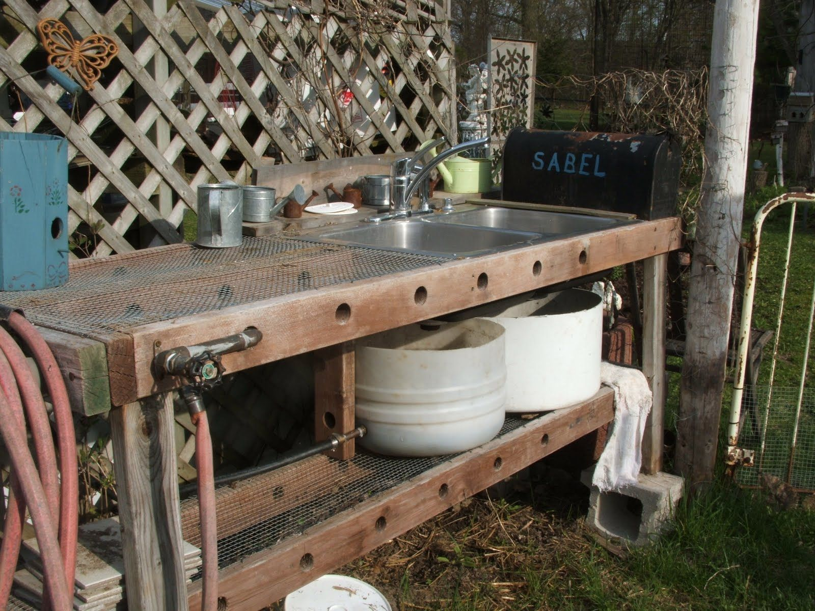 Outdoor bench rustic and cheap outdoor bbq island plans for Outdoor kitchen sink