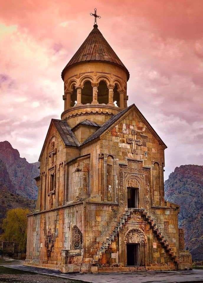 Noravank Monastery 🙏 #Armenia ⛪️🇦🇲🍂 in 2020 | Armenia ...
