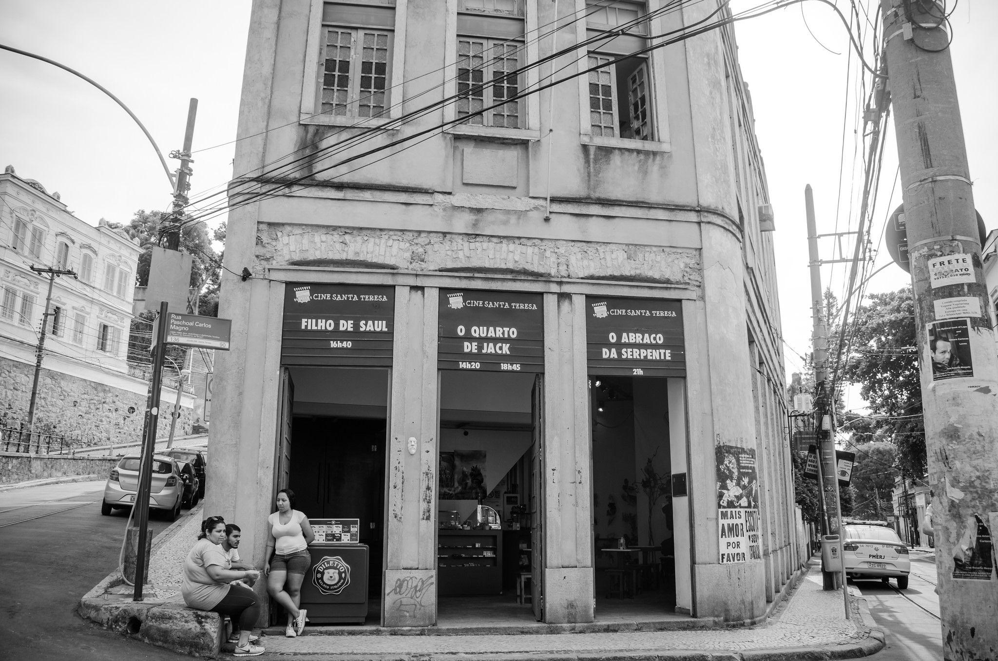 https://flic.kr/p/HioWdP | Largo do Guimaraes | Rio De Janeiro, RJ, Brazil - March 07, 2016: Cinema in Largo do Guimaraes along the road of Santa Teresa District,  important point of Rio De Janeiro.