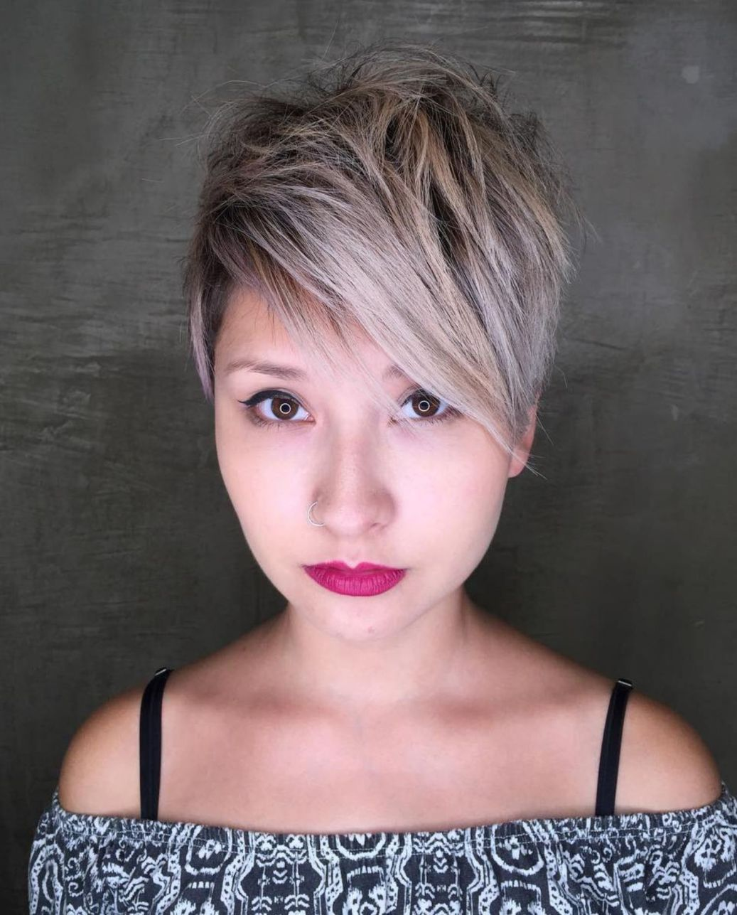 Choppy pixie with side bangs short hair styles for round