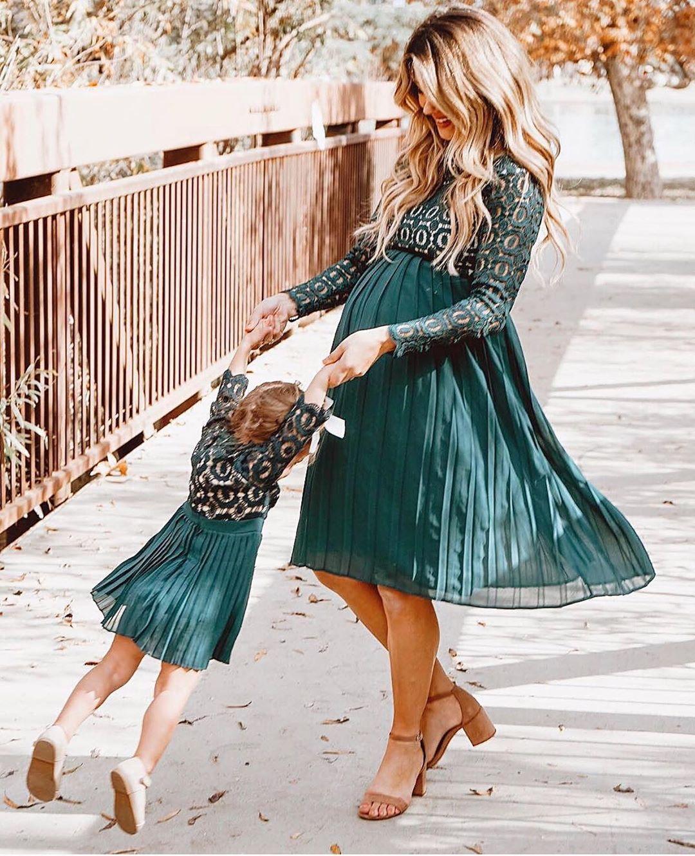 ivy city co: arabella long-sleeved dress in hunter green