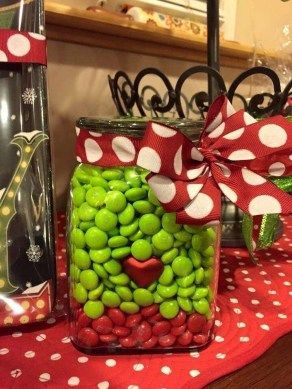 32 Grinch Whoville Christmas Party Holidays Decor