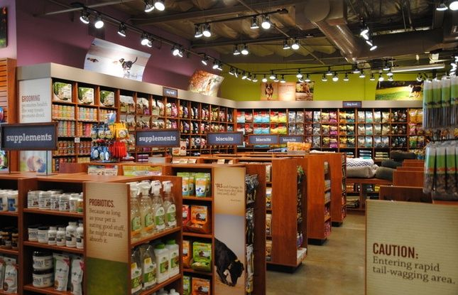 Kriser S Is A Great Place To Get Healthy Food For Your Pets And They Have A Few Locations In Both Chicago And The Nearb Natural Pet Pet Store Pet Store Design