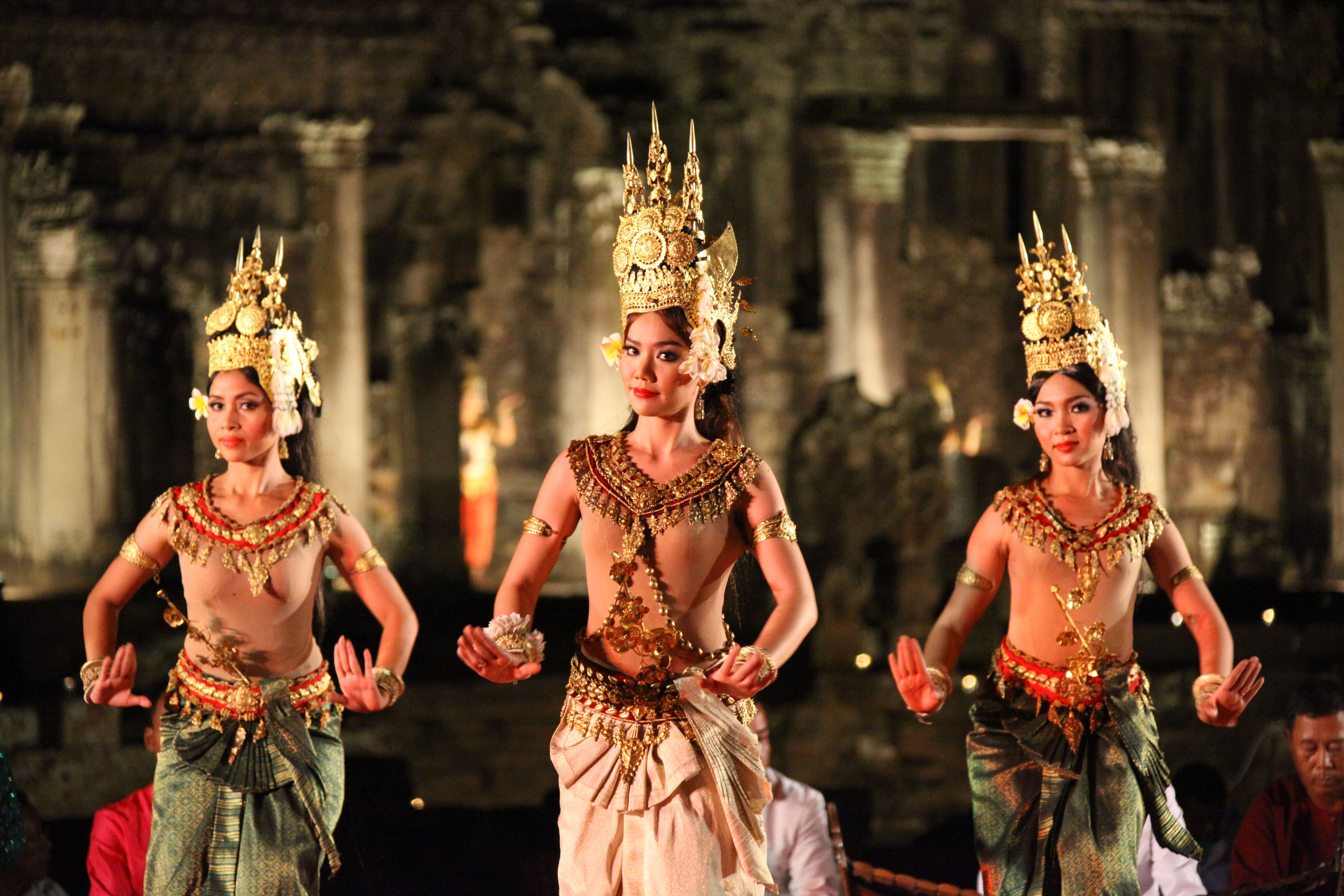 Welcome To Angkor Continental Tour Services And Travel Agency In Siem Reap Cambodia We Create Our Tour In Order To Shar Cambodian Women Cambodia Dance Images