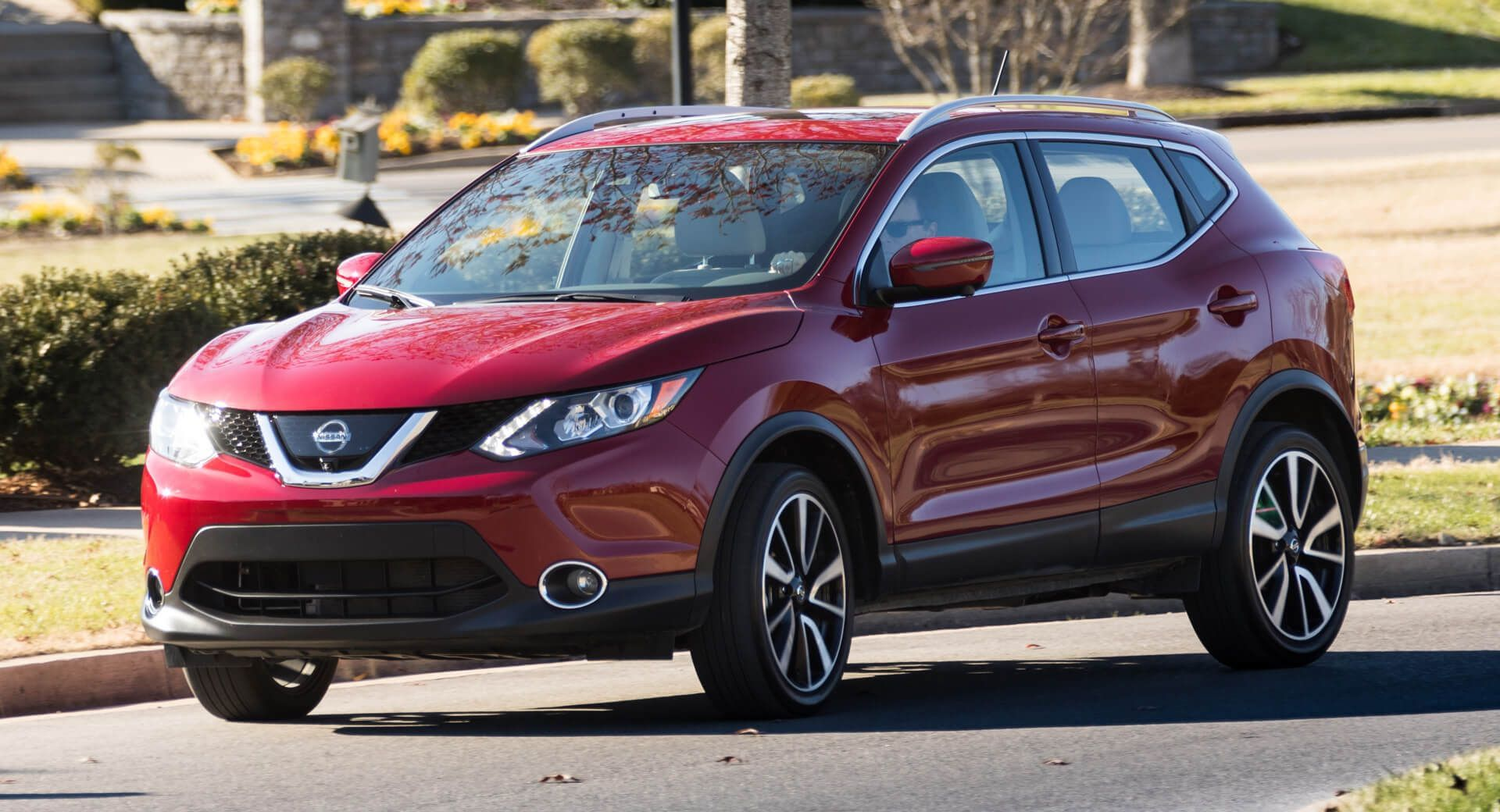 Base Nissan Rogue Sport Adds More Tech, Gets 470 Price