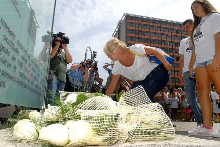 Homenaje a las víctimas del accidente de Spanair en Las Palmas de Gran Canaria