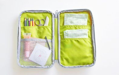 The *Better Together Note Pouch v3* is a very cute and well made note pouch. The Better Together Note Pouch v3 features many well sized pockets to help you organize your notes, pens, and all of your personal belongings in one place! You can conven...