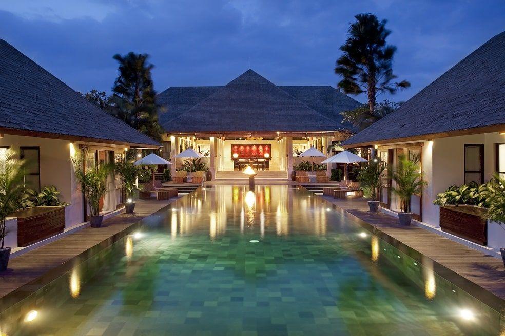 villa de luxe vue de nuit bali piscineterrasse. Black Bedroom Furniture Sets. Home Design Ideas