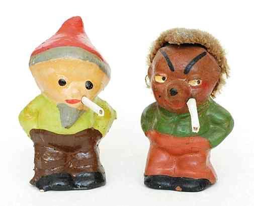 Sandmann und Raucher-Mäcky - die Kinder-Lieblinge als zwielichtige Gestalten, denen man lieber nicht im Mondschein begegnen mag...