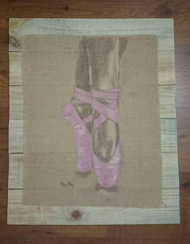 Zapatillas bailarina en tela de saco sobre madera dibujo - Tela de saco ...