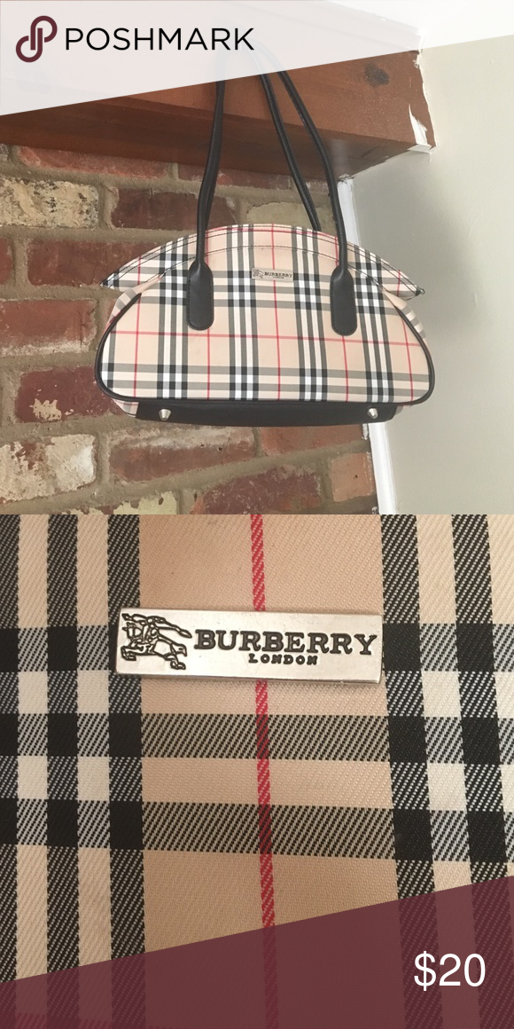 c7f793f455b8 Faux Burberry London Purse Pretty sure this is fake but it is a good sturdy  purse  has zipper and black interior with zipper pocket. Bags Shoulder Bags
