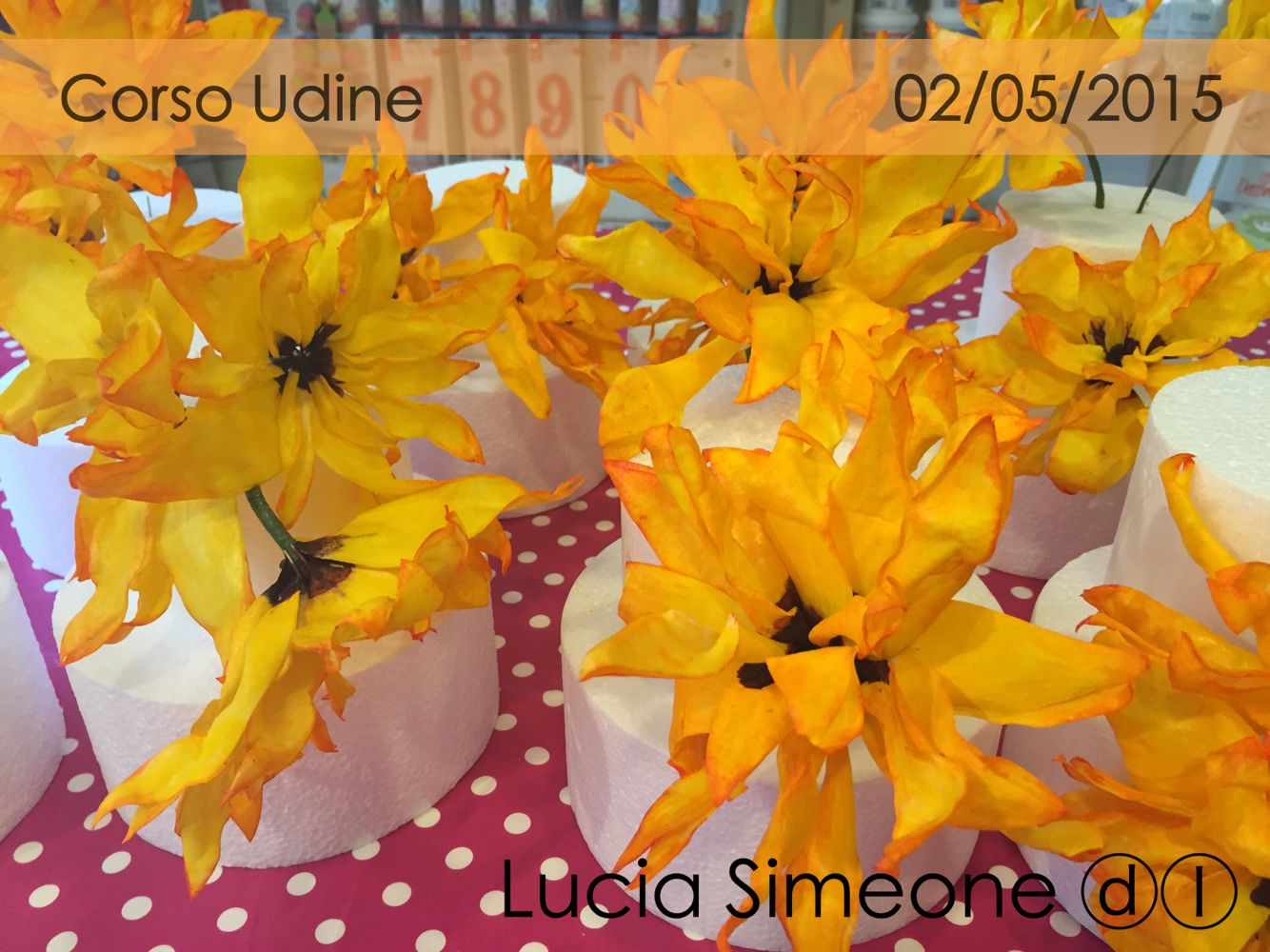 Girasoli Painted wafer paper flowers di Lucia Simeone ⓓⓛ #waferpaper #waferpaperflower #luciasimeone #fioriostia