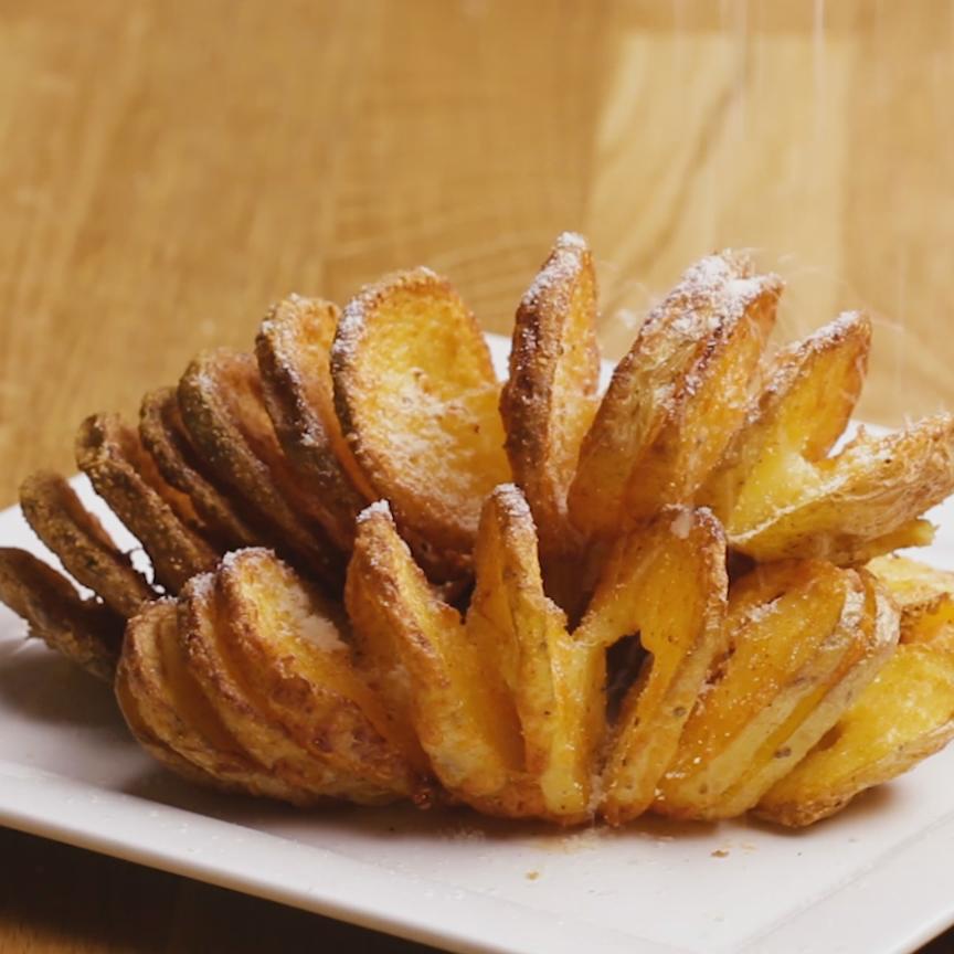 Tornado Potato http://hubz.info/88/smoothie-recipe-energizing-filling-breakfast-packed-fruit