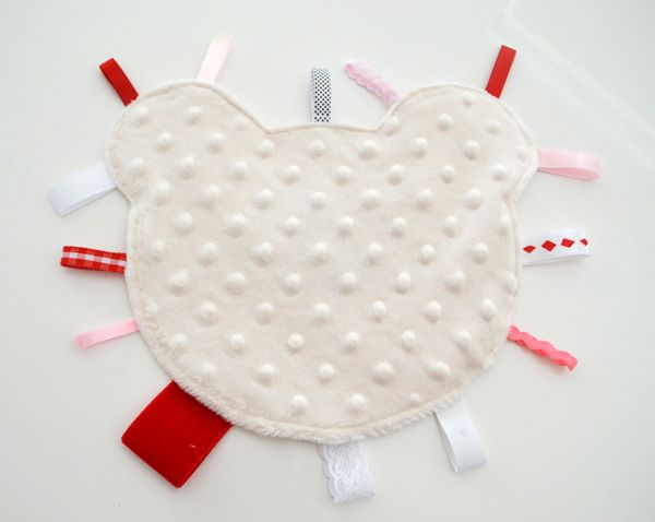 Abaixo Grapevine Lane: Tutorial: Teddy Taggie Blanket