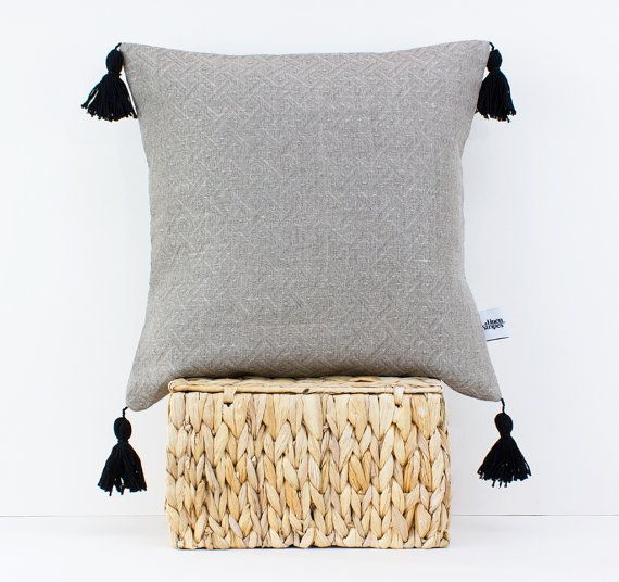 Decorative Pillows With Tassels : Linen pillow with tassels - Pom pom cushion - Tassel pillow - Boho bedding - Bohemian decor ...