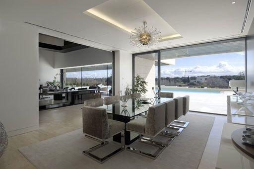 Comedores espectaculares de lujo comedores futuristas for Decoracion de living room