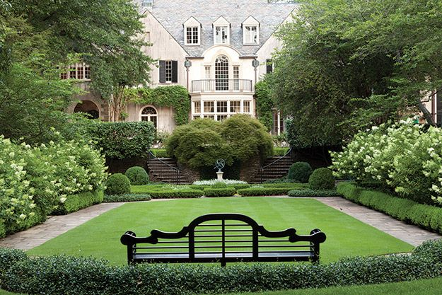 Green On Green State By State Gardening Enewsletter Web Articles Classic Garden Country Garden Design Gorgeous Gardens