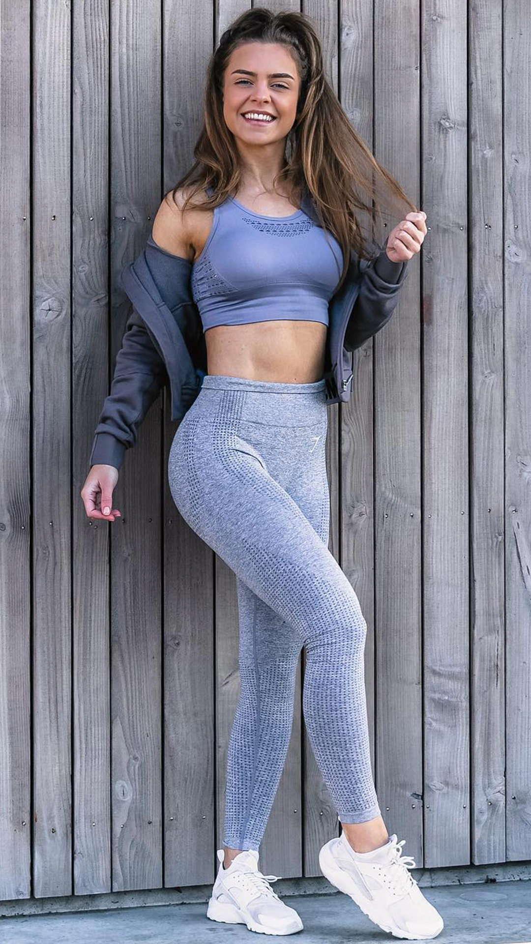 cdd554895c61bb Babe in blue, Sophie wears the Steel Blue Vital Seamless Leggings and  Energy+ Seamless Sports