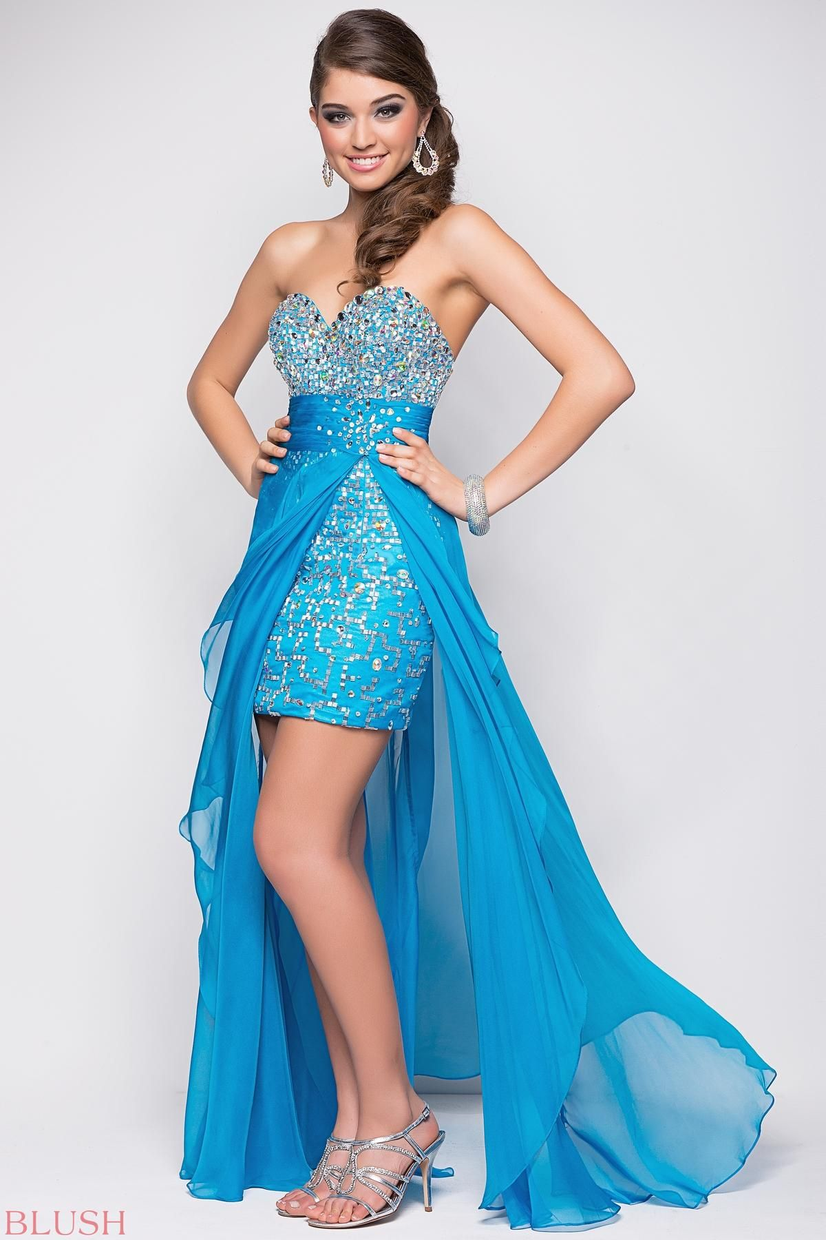 Short prom dresses rock this hot sexy mini rocks with jewels and