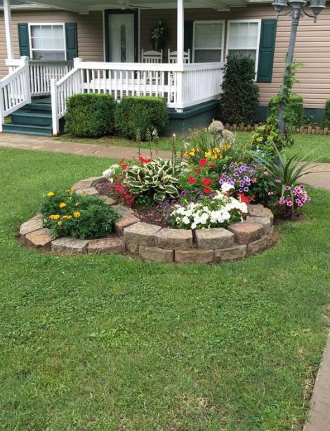 20+ Minimalist And Small Frontyard Landscaping Ideas - Eweddingmag.com