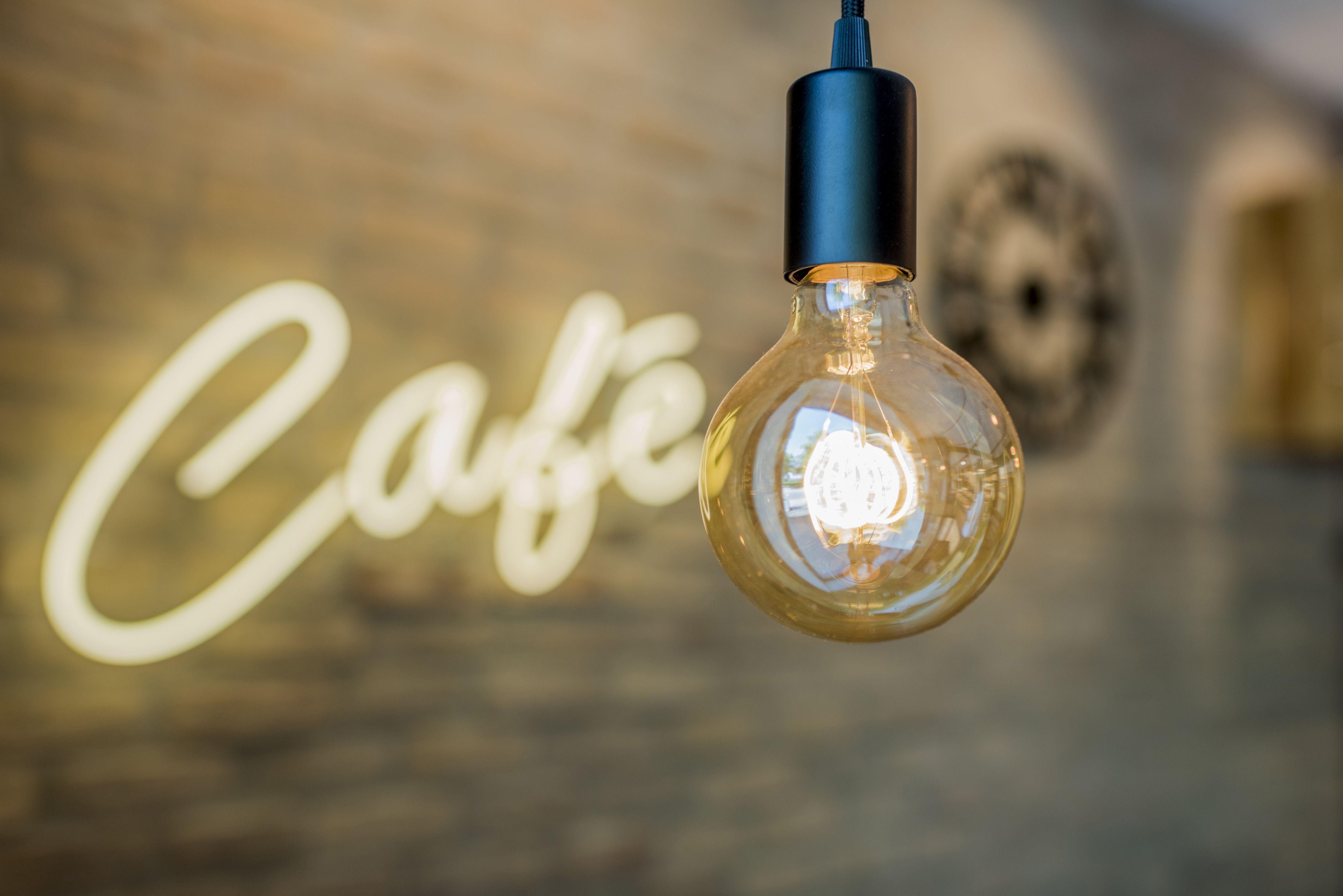 Aichinger Ladenbau Theke Ladentheke Design Einrichtung Ladeneinrichtung Modern Food Style Erfolgeinrichten In Ladeneinrichtung Ladenbau Einrichtung