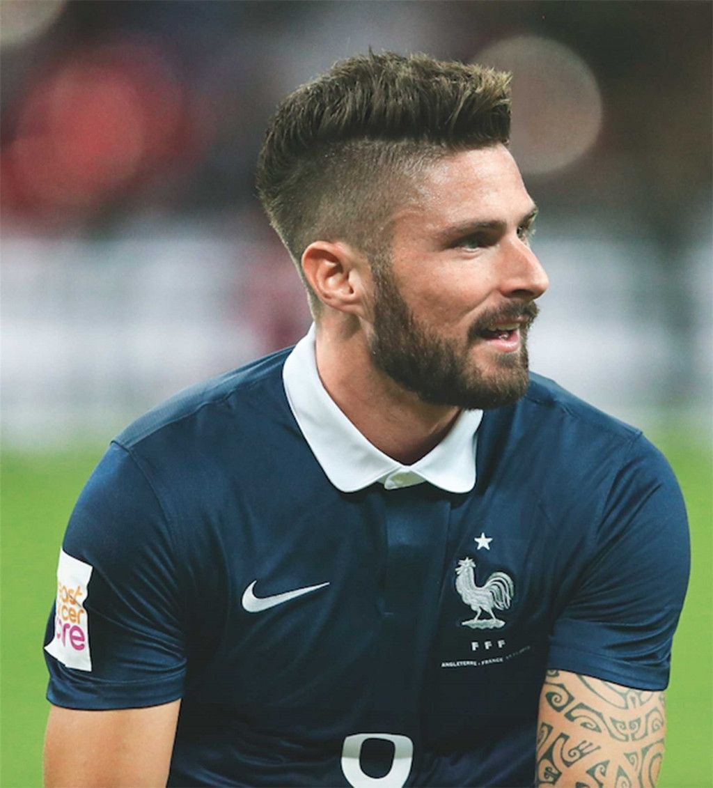 23 Lovely Football Player Hairstyle All Football Player Hairstyle Beckham Football Player Hairstyle Soccer Hairstyles Football Hairstyles Hair Styles 2014