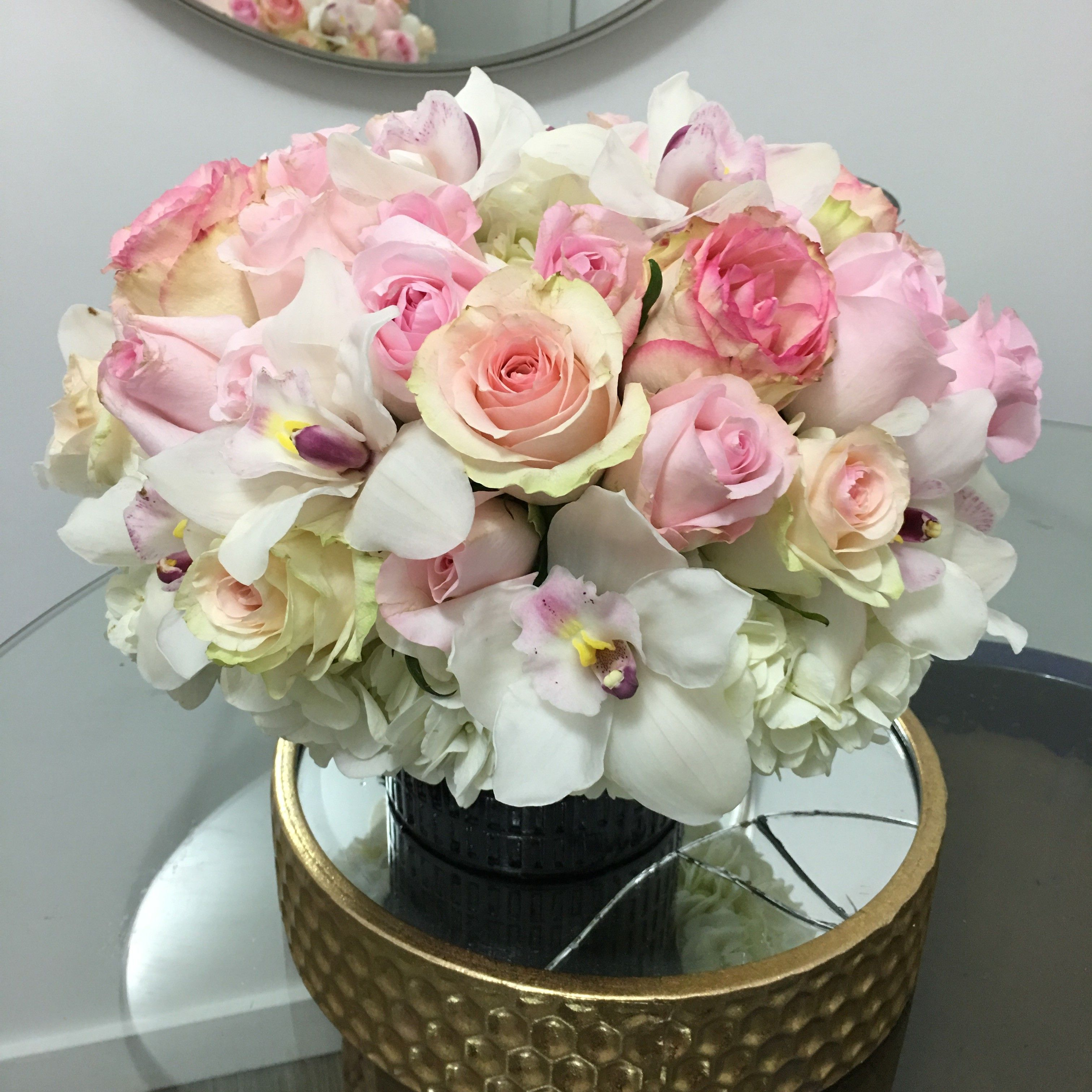 Send Softly Rose in Los Angeles, CA from LA Premier, the