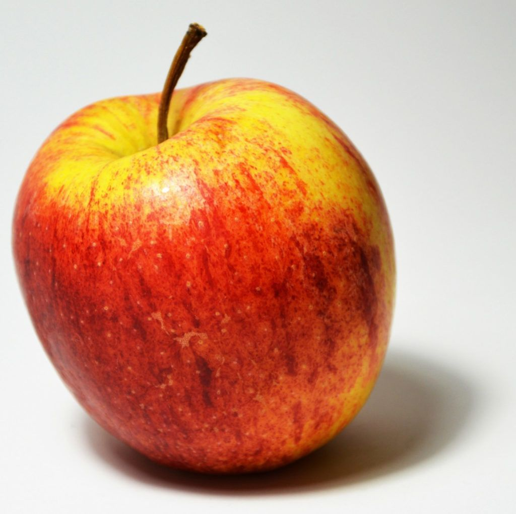 How to Draw a Juicy Apple using Coloured Pencil (With